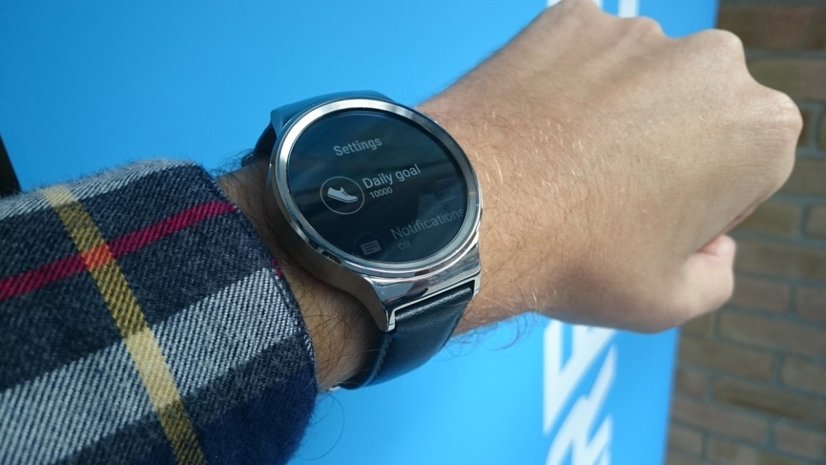 Huawei Watch: Android Wear опыт